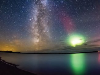 Man Filming Night Sky Gets An Unexpected Surprise